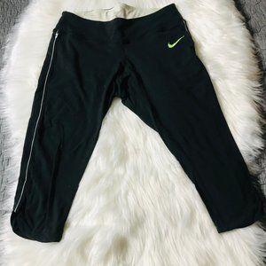 Nike Dri-Fit Calf Length Capri Workout Pants, M
